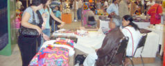 Afecta crisis económica a las artesanas mixtecas