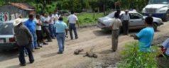 Bloquean comuneros carretera de Tlaxiaco