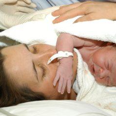 Se resisten mujeres indígenas dar a luz en hospitales