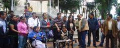 Germán Simancas entrega sillas de ruedas