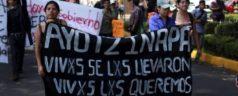 Normalistas piden comprensión a ciudadanos; marchan para exigir justicia por Ayotzinapa